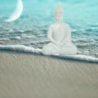 Meditation name: Long Calming Om Mani Padme Hum with Cello, Ocean & Wind Chimes