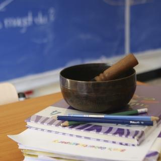Meditation name: Achtsames Hören im Klassenzimmer – Eine Mini-Pause
