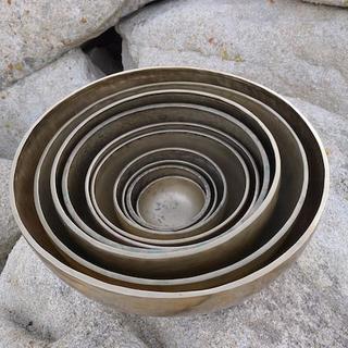 Meditation name: 33 Bowls Tibetan Singing Bowls: Breathe