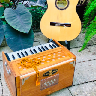 Meditation name: Meditative Harmonium With Spanish Guitar