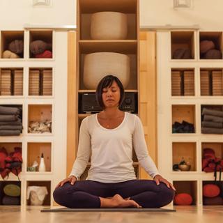 Meditation name: Bilingual (EN-FR): Standing Meditation