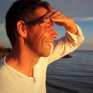 Meditation name: Varsam sinnesnärvaro (20 min sittande)