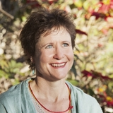 Meditation teacher: Lucy Draper-Clarke