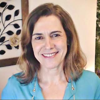 Meditation teacher: Regina Giannetti | Você Mais Centrado