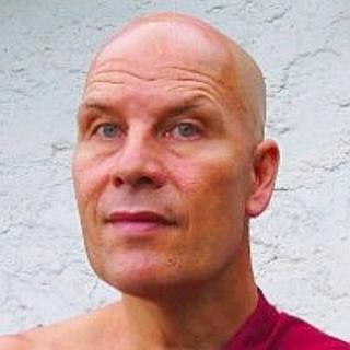 Meditation teacher: Bhante Samahita