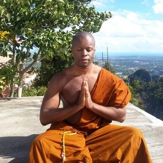 Meditation teacher: Gilles Mathieu Chamboraire