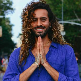 Meditation teacher: Sah D'Simone