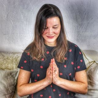 Meditation teacher: Sandrine HK